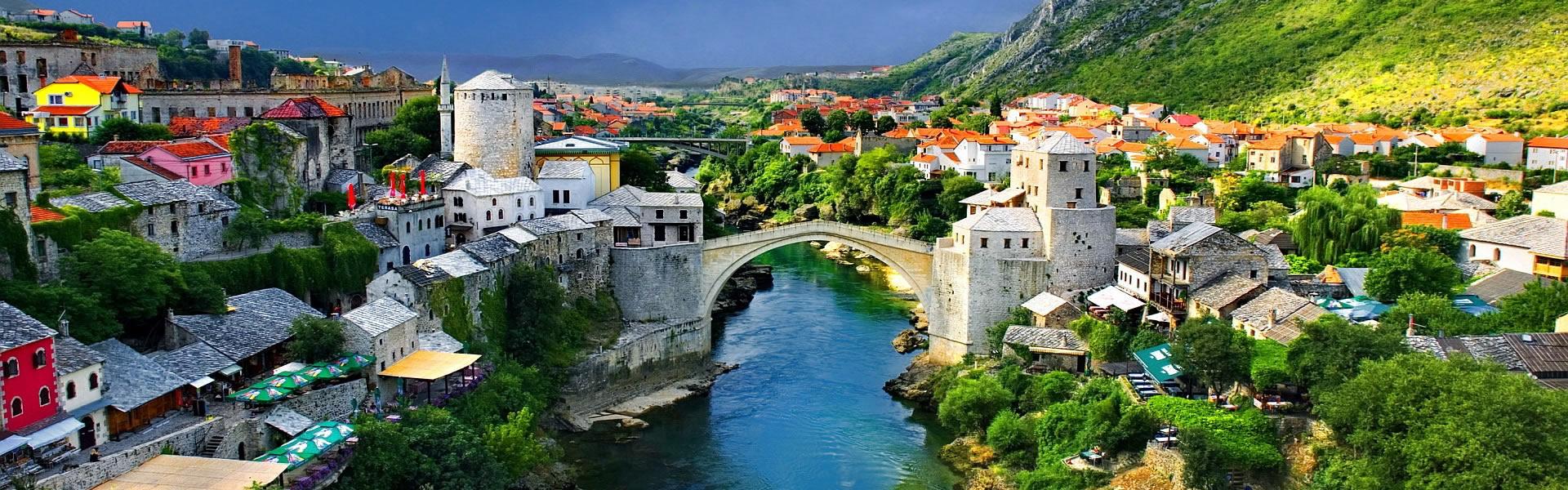 pont-medieval-mostar-destination-touristique-bosnie